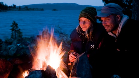 By the campfire. Photo: Marcus Elmerstad.